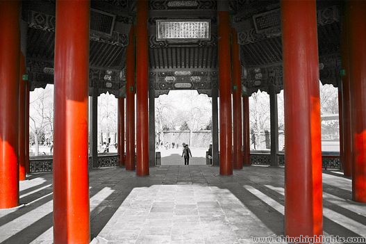 Red painted pillars at Summer Palace