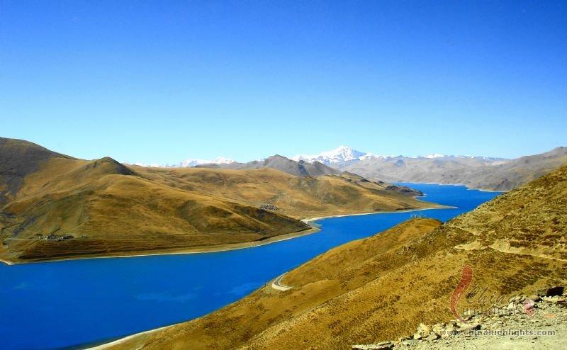 Yomdrok Lake